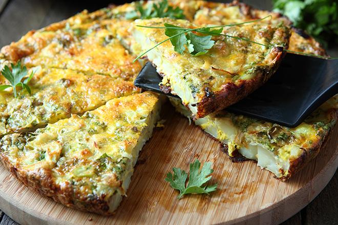 omeleta_foyrnoy_me_patates.jpg