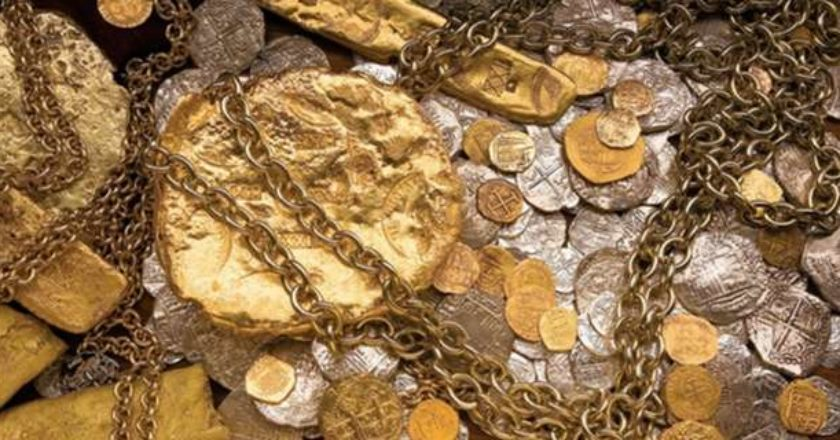 181464-spanish-galleon-shipwreck-treasure-salvaged-by-the-fisher-team-from-the-atocha-and-the-santa-margarita.jpg