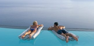 n-couple-in-greek-island-large570.jpg