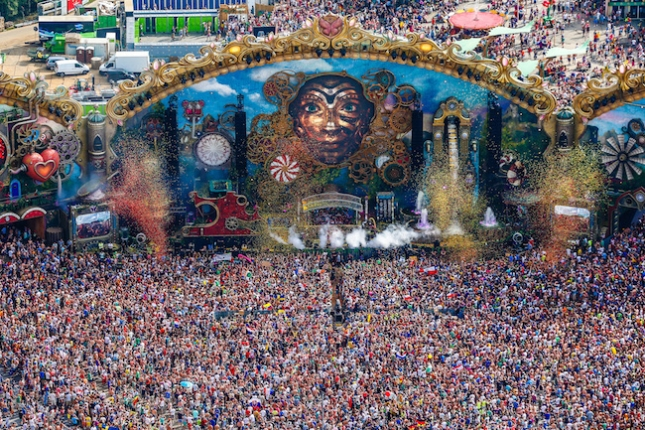 tomorroland-2-2014-650.jpg
