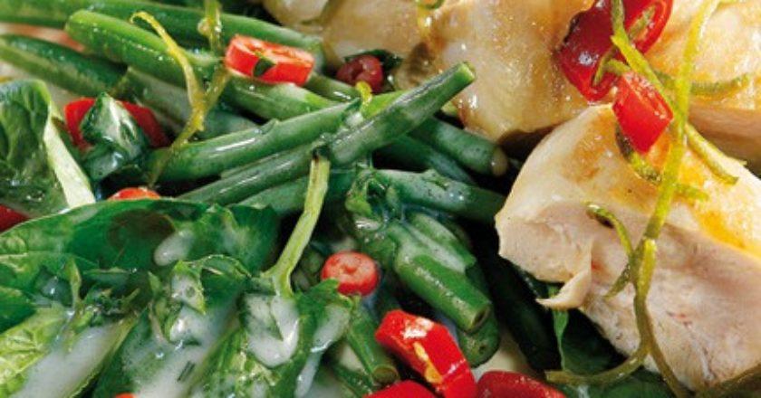 salata-me-kotopoylo-kai-tsili_slider-430x575.jpg