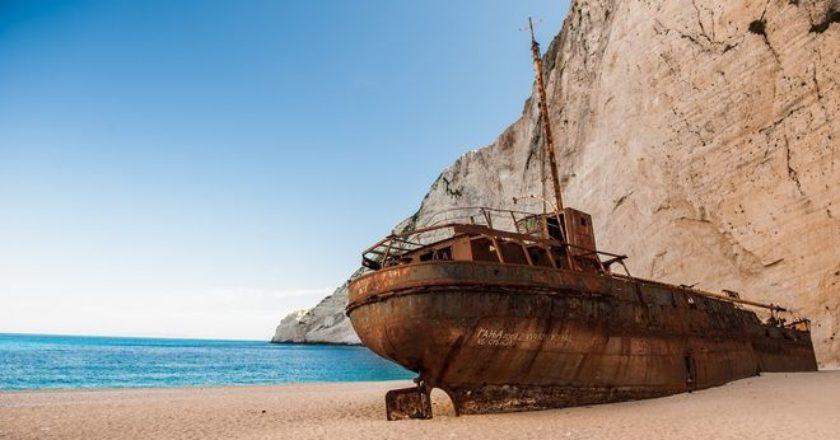 shipwreck-beach-zakynthos-zante-21365756472.jpg