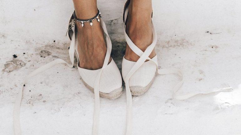3ed97e2d6f4 Γενικά τα πάνινα παπούτσια είναι η πιο safe επιλογή παπουτσιού που μπορείς  να κάνεις τώρα το καλοκαίρι