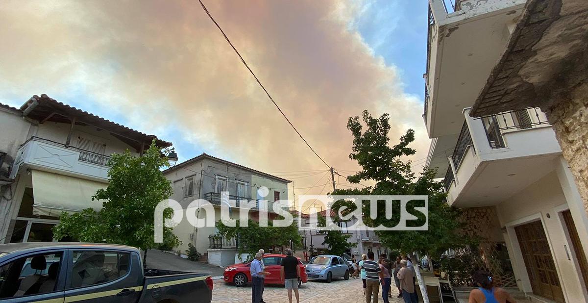 Πυρκαγιά – Χελιδόνι: Σε ασφαλές σημείο οι κάτοικοι