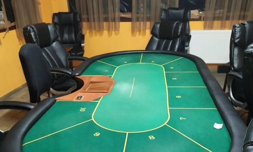 Μεγάλη επιχείρηση της ΕΛΑΣ στην Ημαθία: Έφοδος σε ταβέρνα που είχε μετατραπεί σε παράνομο καζίνο - 24 συλλήψεις