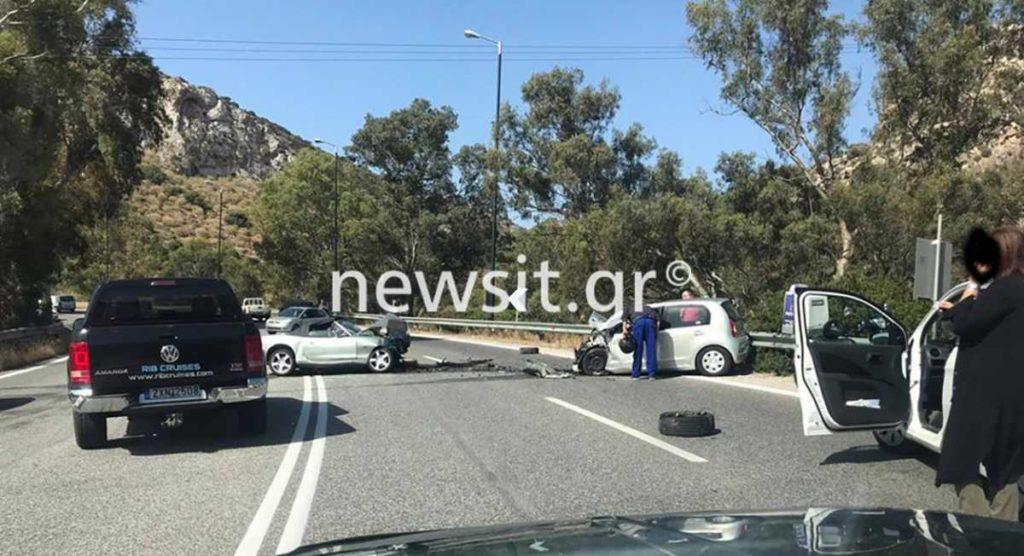 Τραγωδία στην λεωφόρο Σουνίου – Νεκρή 40χρονη σε φοβερό τροχαίο με τρία ΙΧ (Photos)