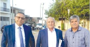 Ο καθηγητής κ. Ξ. Βεργίνης, με τον Δήμαρχο Πηνειού κ. Αν. Μαρίνο και τον αυτοδιοικητικό και στέλεχος της ΝΔ κ. Κώστα Αναγνωστόπουλο