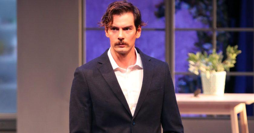 άνδρας ηθοποιός