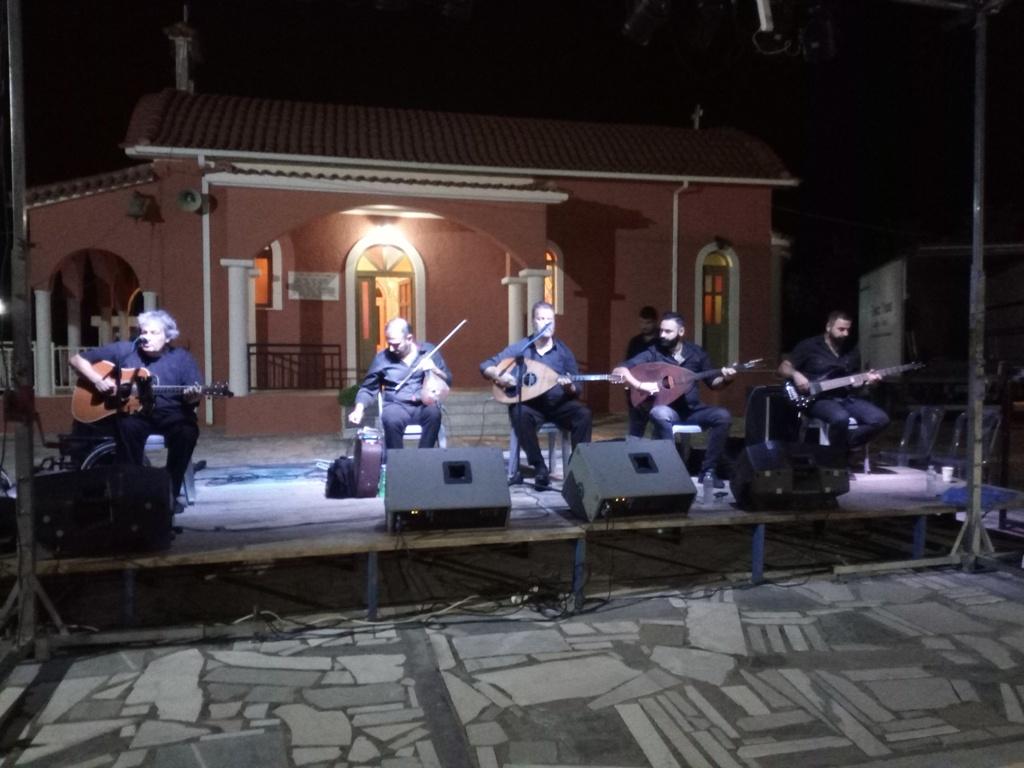Δήμος Πηνειού: Έργο σημείο αναφοράς η πλατεία Μπούκας Γαστούνης με τη σφραγίδα του Ανδρέα Μαρίνου- Μάγεψε το κοινό ο μοναδικός Μανώλης Κονταρός (photos)