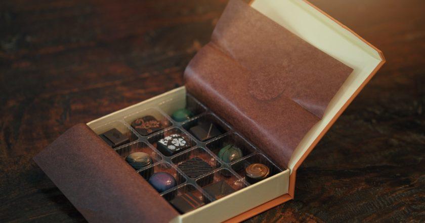κουτί με σοκολατάκια